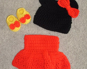 Minnie Mouse Hat, Diaper Cover Bootie Set  0-3 months