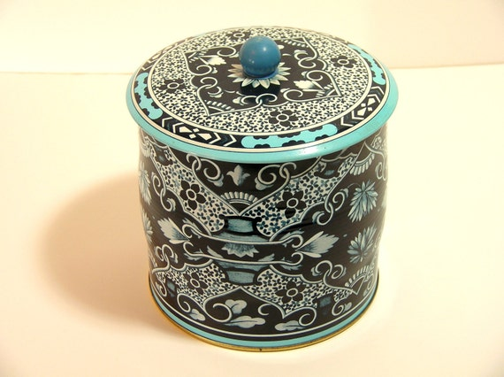 Reserved For Edward Vintage English Blue And White Tin Biscuit Jar