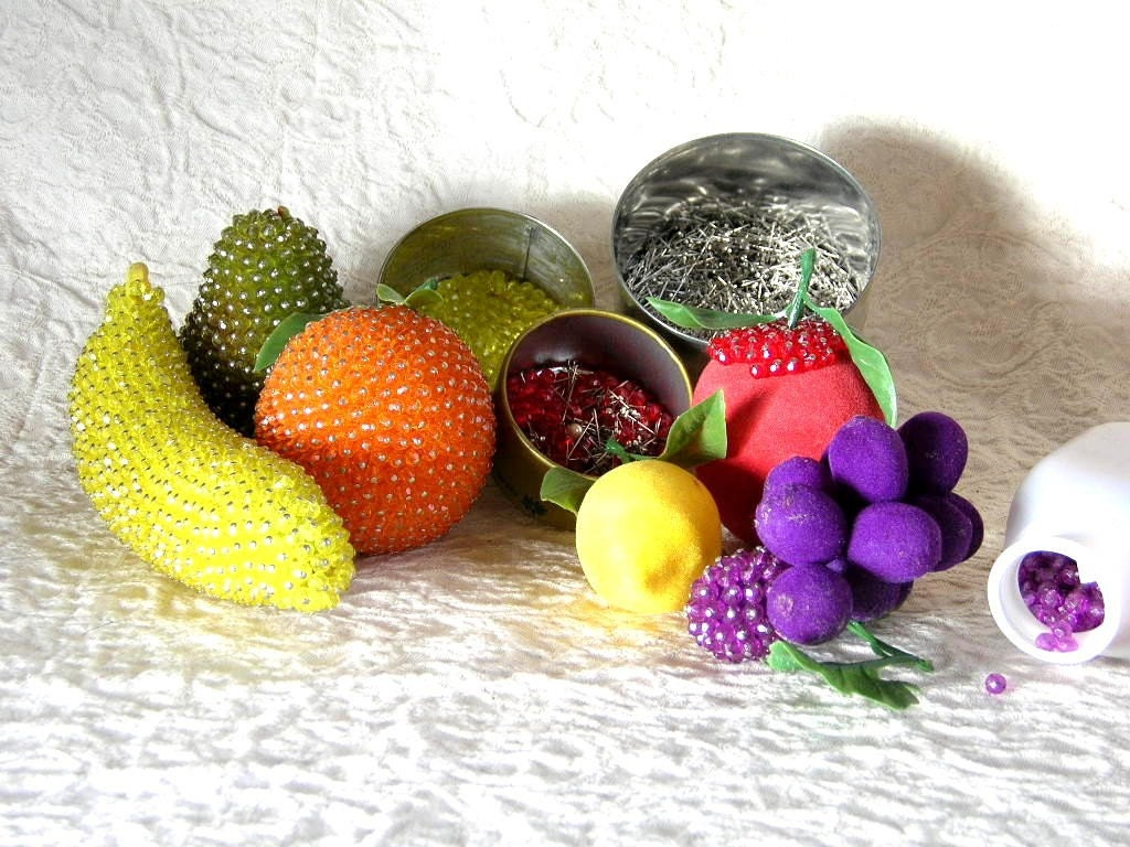 Vintage beaded fruit craft kit for Funky canape trays