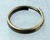 200 pcs of Antique Brass Finished Split Rings - 8mm