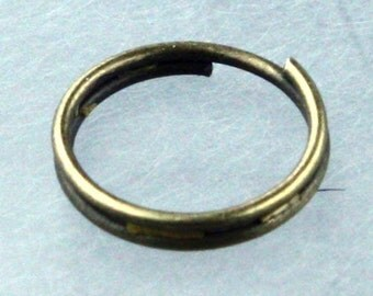 200 pcs of Antique Brass Finished Split Rings - 10mm