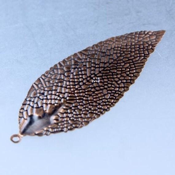20 pcs of Antique Copper Metal Leaf Dnagle Drop Pendant - 82x33mm