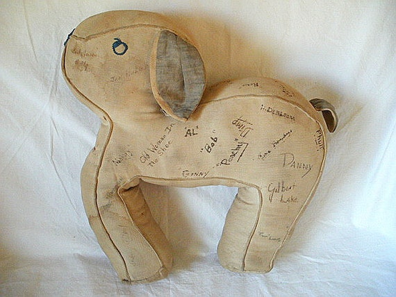 Vintage 1940s Autograph Hound Dog from Otsego County, NY with Faded Signatures