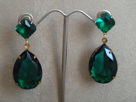 Bohemia -- Emerald Large Crystal Drop Earrings -- Gold or Silver Settings