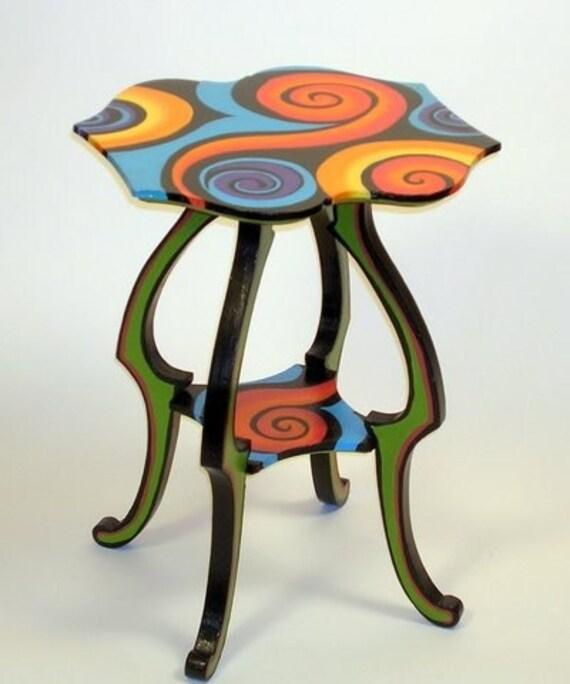 Swirl-top table