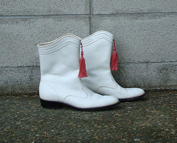 Vintage 1960s Drill Team White Flat Boots With Tassel