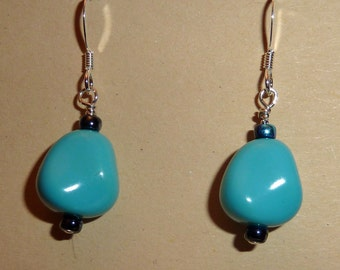 Earrings of Czech pearlized nuggets in turquoise
