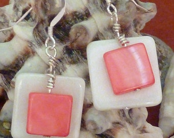 Earrings mother of pearl wte flat sq layered with reddish pink flat rectangle pierced