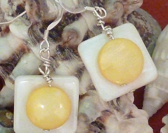 Earrings mother of pearl wte flat sq layered with yellow puffed coin pierced