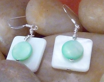 Earrings mother of pearl wte flat sq layered with mint green puffed coin pierced