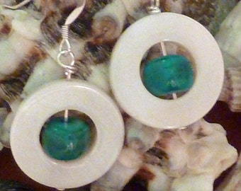 Earrings mother of pearl wte flat donut with teal puffed square inside pierced