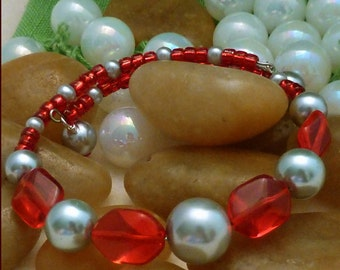 Bracelet with focals of silver pearls and red Czech glass beads, large, 1 loop memory wire