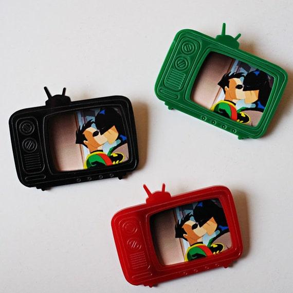 Laser Cut Acrylic Brooch-Batman-Robin Kissing on TV