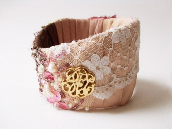 Wide bangle gold-cream-white-rasberry
