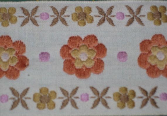 Vintage 70s Orange Retro Decorative Flower Sewing Trim 4.3 Yards