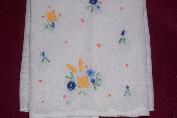 Vintage White Guest Towel with Hand Embroidery