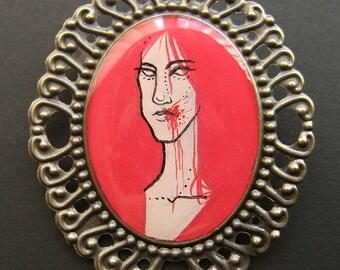 ACID LADIES Carmine Bronze Vampire Cameo Pin 30 x 40 mm