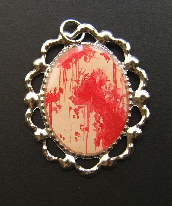 MASSACRE Pop Horror Silver Blood Splatter Necklace 21 x 30 mm Red Tan
