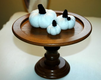 White Pumpkins with Spider for Halloween (set M)