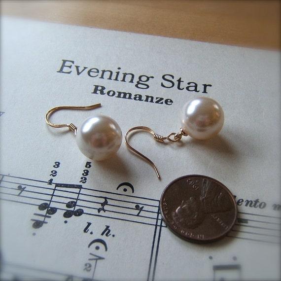 Vintage Lucite Pearl Earrings - 1 Hole Drop by Bullseyebeads - Weddings Bridesmaids Jewelry