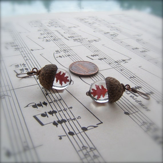 Glass Acorn Earrings in Crystal Clear with Encased Copper Leaves by Bullseyebeads