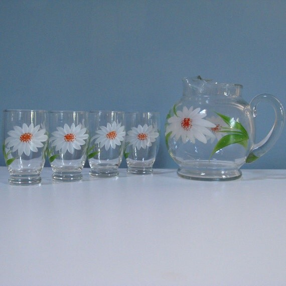 vintage daisy pitcher and glass set of 5 HAUSMITTEL