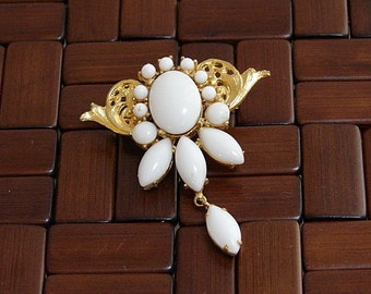 Vintage Victorian Milk Glass and Gold Brooch