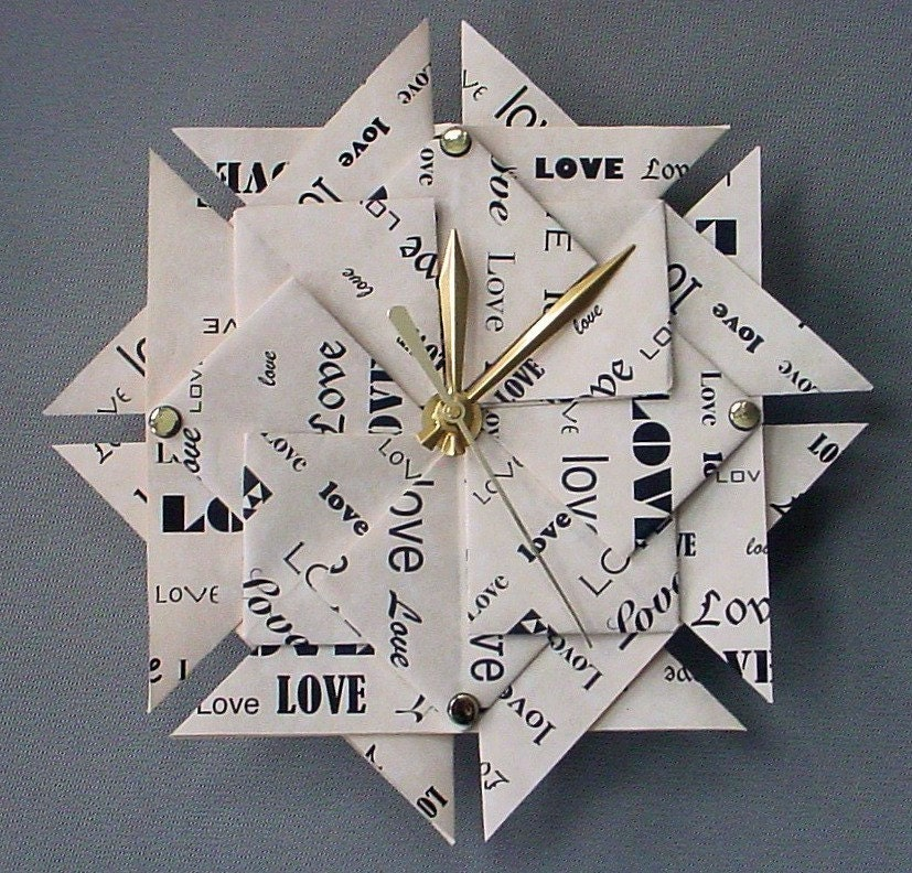 Memorable 1st anniversary gift love origami clock paper for Paper gift ideas for anniversary
