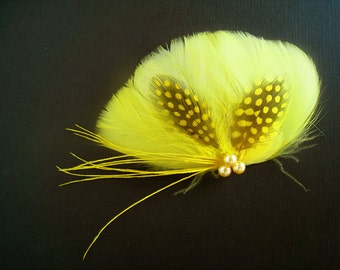 Yellow wedding hair clip yellow feather bridesmaids hair clip canary yellow bridal hair clip yellow fascinator yellow hair clip lemon yellow