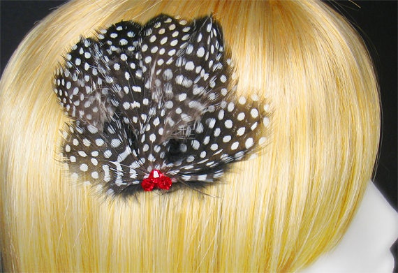 Black hair clip white feathers red crystals fascinators goth wedding gothic hairpieces whimsical head pieces
