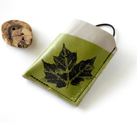 Leather Wallet - 3 Pocket with Stay In Place Attachment - Rustic - Real Leaf Imprint