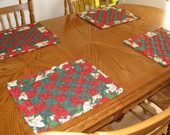 Placemats. Christmas. Patchwork. Set of 4 Red and Green