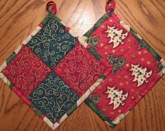 Pot Holders. Christmas. Red and Green