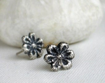 Daisy lace oxidized sterling silver post earrings