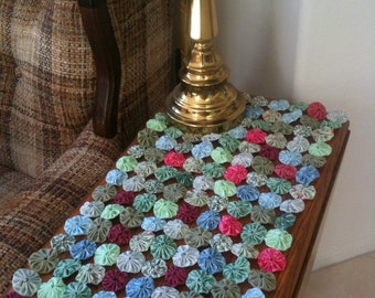 Spring Tablerunner, Table runner or mini fabric yoyo quilt, spring colors, mint, green, blue and pink  fabrics,  25 inch