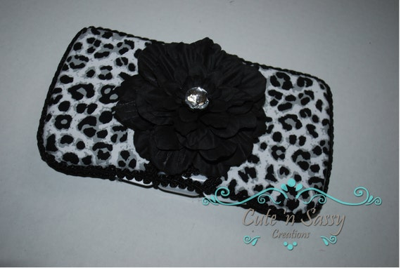 Flip Top Baby Wipe Case - White Leopard Covered Wipes Case