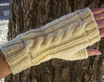 Wool Cable Knit Fingerless Gloves Ivory