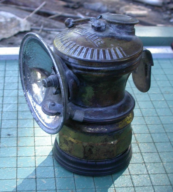 Universal Lamp Co. Auto-Lite Carbide Miner's Hat Lamp with bumper grip