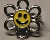 1960s WOODSTOCK Happy Daisy Flower Power Ring GROOVY