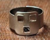 1950s Cracker Jack ROBOT Squares Ring WEIRD