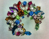 Vintage 1950-60s Silver Moon Shape MULTI COLORED Super Cluster Stone Brooch