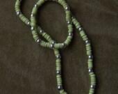 1981 Little Girl Sequin Necklace LIGHT GREEN