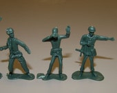 ORIGINAL 1950s Army Men Figure HIGH Detail 2 BINOCULARS