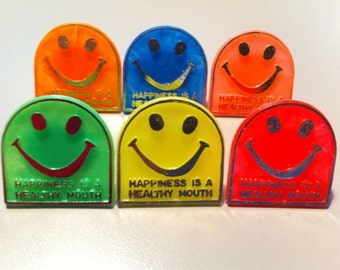 1972 Toy Ring for Dentist Office HAPPINESS IS A HEALTHY SMILE