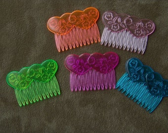 36 - 1970s Plastic LINKED HEARTS Hair Clips Woolworth Stores