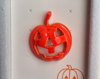 1960s-70s Vintage HALLOWEEN Pin PUMPKIN Design