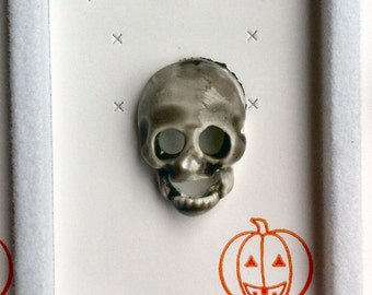 1960s-70s Vintage HALLOWEEN Pin SKELETON SKULL Design