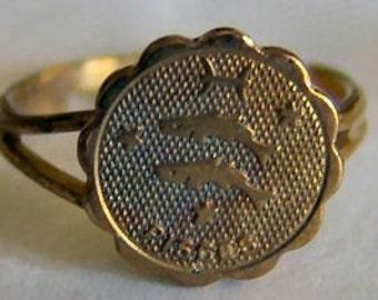 1960's Zodiac Gum Machine Ring PISCES