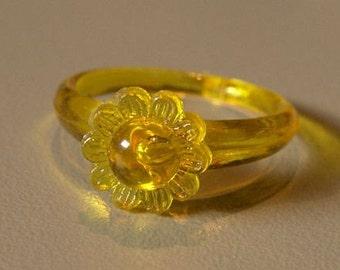 1960-70s Lucky Charm Ring FLOWER