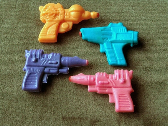1960s Rubber RAYGUN Squirt Gun Set of FOUR